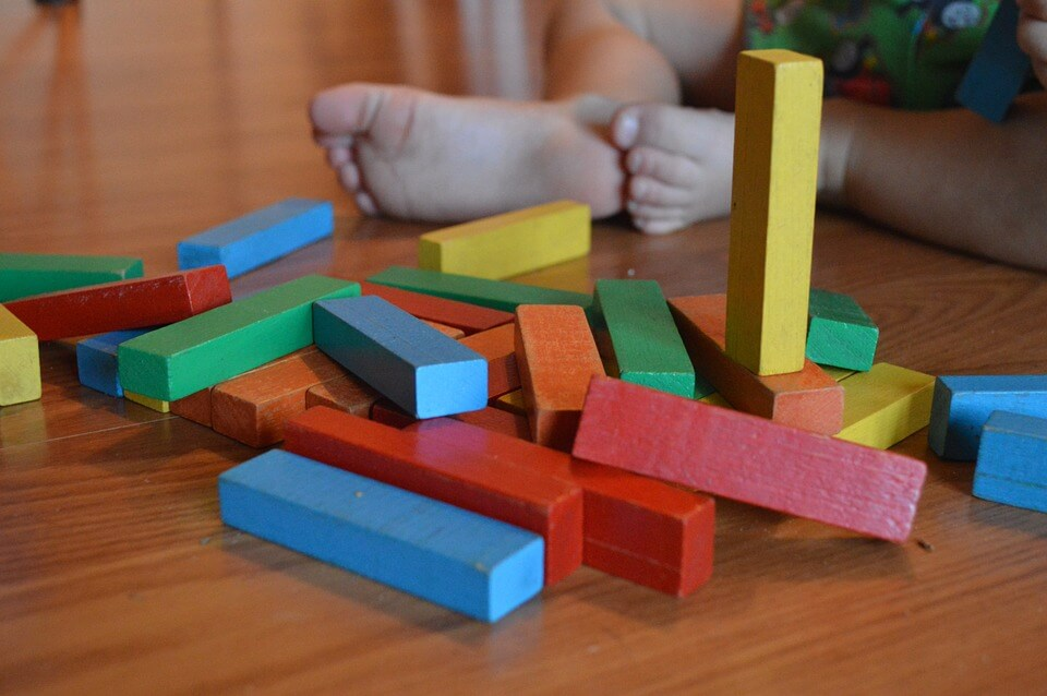 daycare-playing-blocks